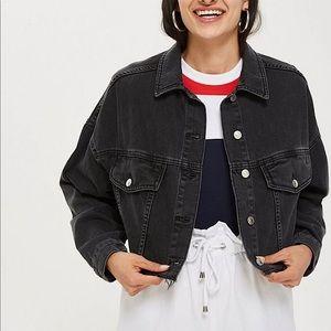 TOPSHOP | Black cropped jean jacket size 6